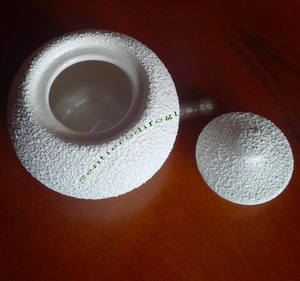 Zuccheriera Lavorata Rilievo Tonda Ceramica Bianca Cucina Pausa Caffe Coperchio Zucchero